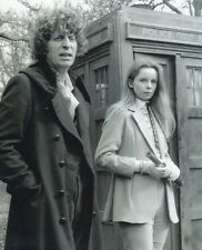 Tom Baker and Lalla Ward UNSIGNED photo - H95 - Doctor Who