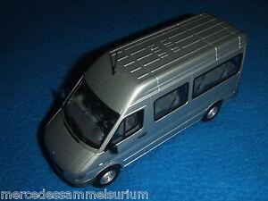 Mercedes-Benz-Sprinter-i-W-903-2004-Mini-Bus-Crewbus-Azul-Plata-Brillante-1