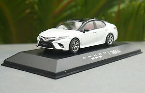 1-43-Toyota-Camry-Sport-2018-White-Diecast-model-Collection