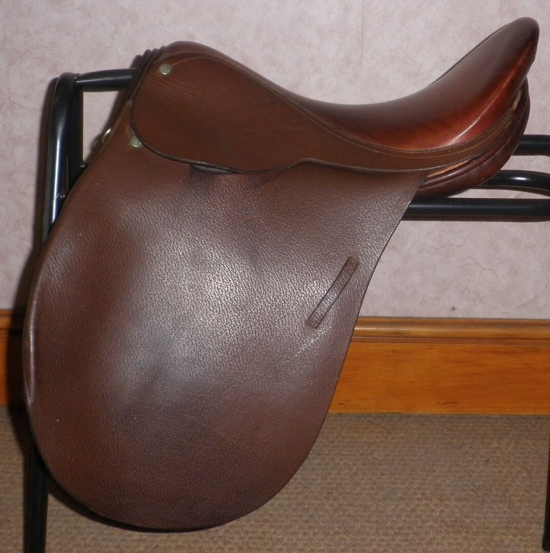 Barnsby Oxblood Brown Leather Show Saddle 16  Seat - Wide Fitting