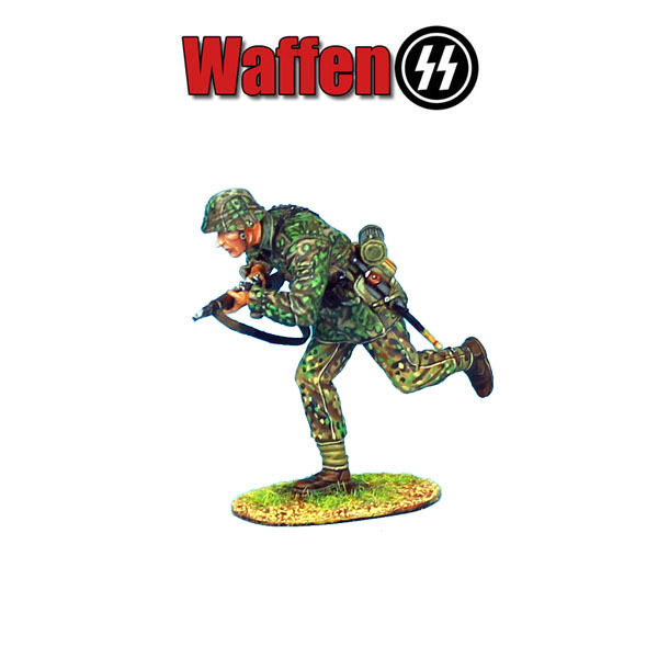 NOR021 Waffen-SS Panzer Grenadier Running with Rifle by First Legion