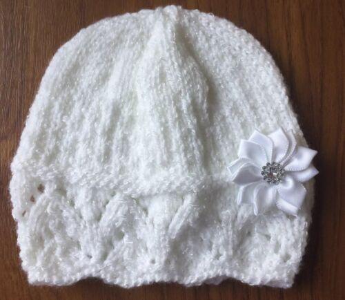Sombrero de Bebé Tejido A Mano Blanco Brillo Con Flor 0-3 meses