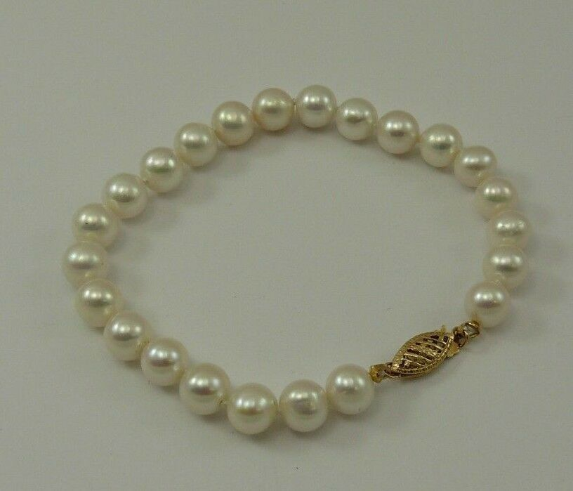 Freshwater White Round Pearl Bracelet 14k Yellow gold Clasp 7 1 2 Inches Long