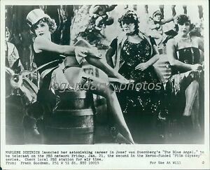 """8X10 PUBLICITY PHOTO MARLENE DIETRICH IN THE 1930 FILM /""""MOROCCO/"""" FB-100"""