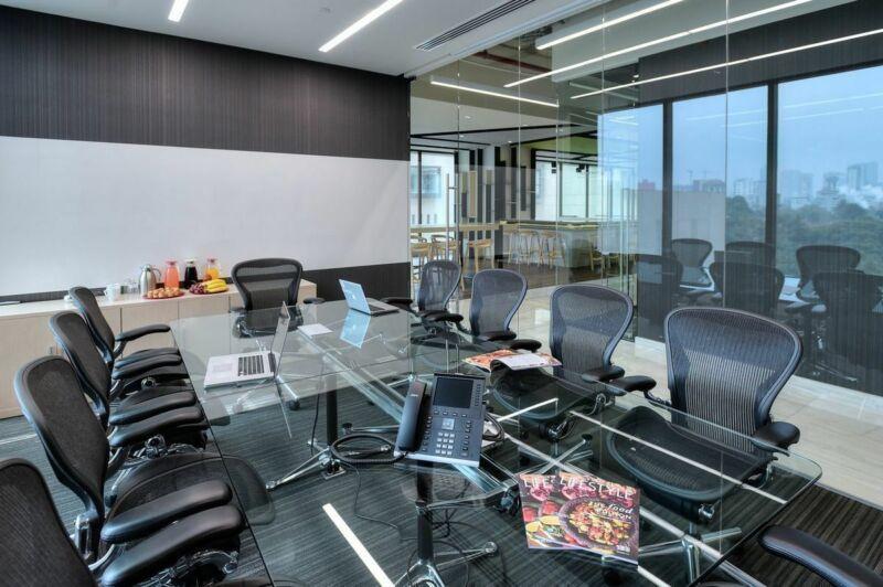 Oficina En Renta En Centro De Negocios En Miyana Para 50 Personas (m2o166)