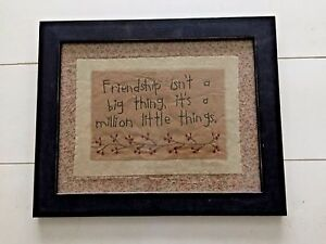 Country-Primitive-Farmhouse-Wood-Framed-Wall-Hanger-Stitchery-Picture-FRIENDSHIP