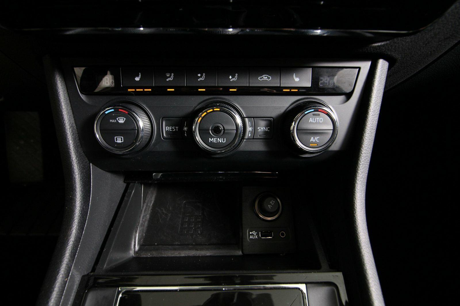 Skoda Superb TDi 190 Style Combi DSG