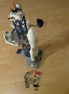 Playmobil-6195-Fusee-et-Station-Spatiale-Figure-avec-Ustensiles-Incl