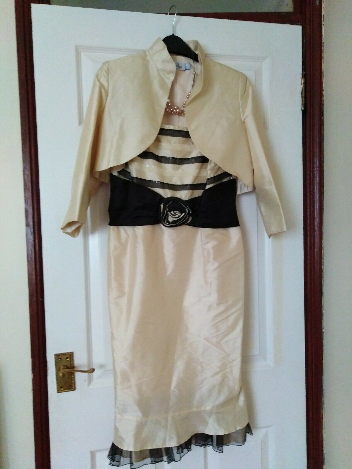 MOTHER OF THE BRIDE/GROOM WEDDING OUTFIT SIZE 8 BY PRESEN