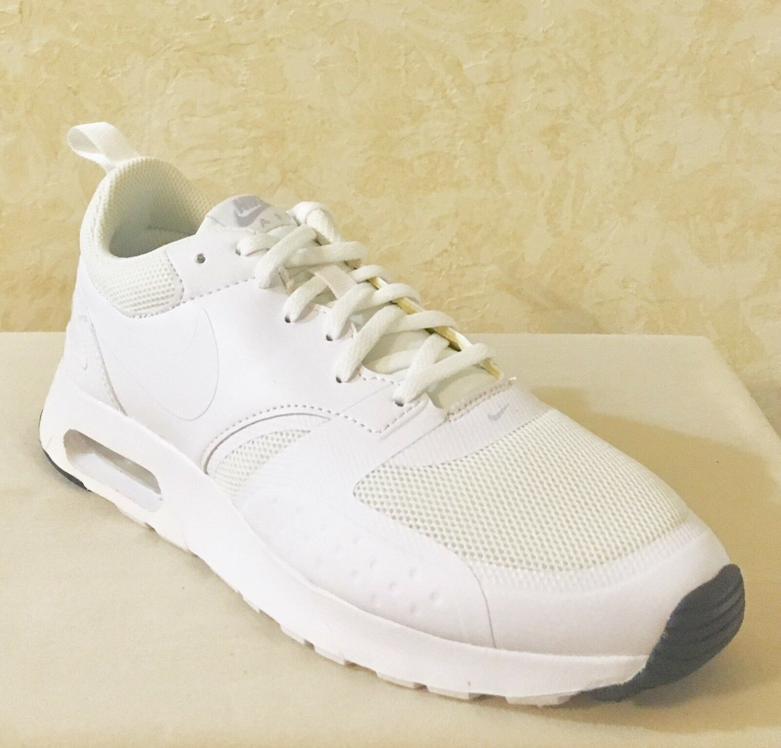Men Nike Air Max Vision Platinum Athletic Training Shoes White-pure Platinum Vision 918230-101 b808ac