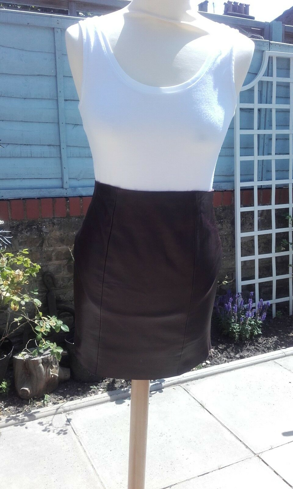 Jasmine di milo limited edition lambs leather skirt size 8