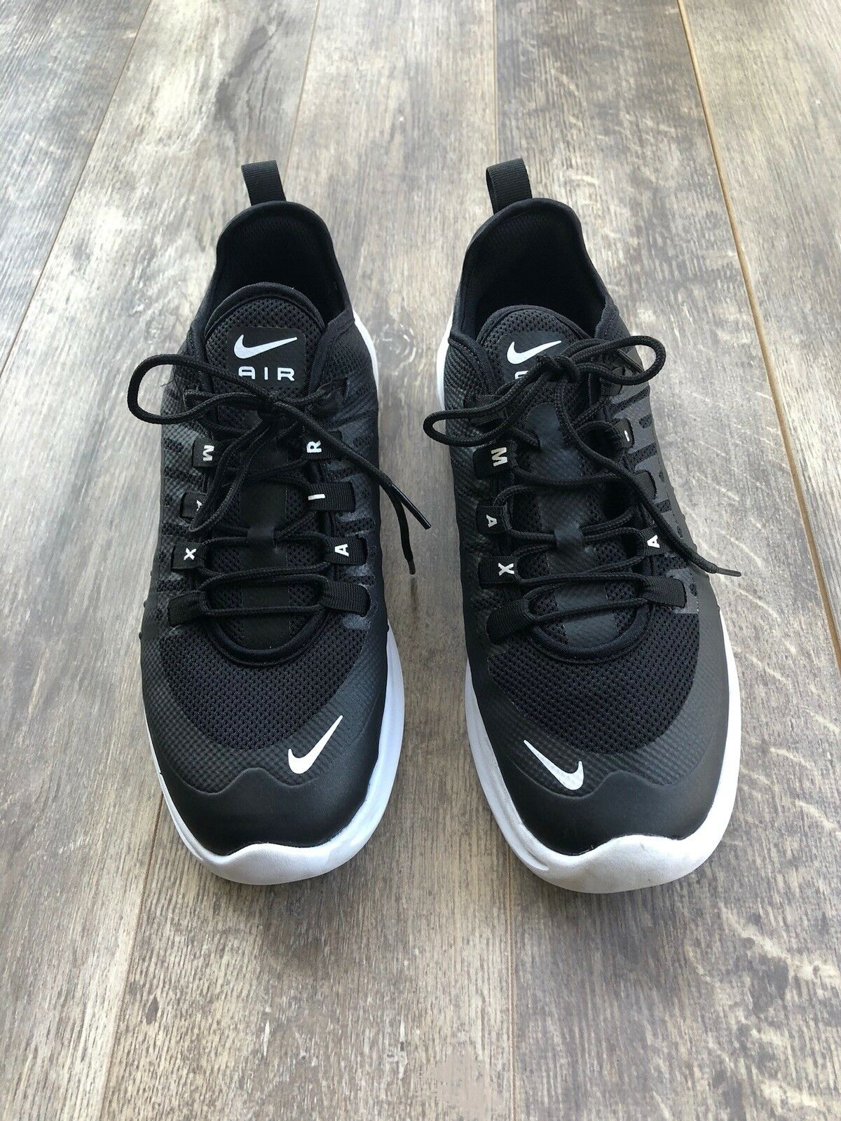 Men's Nike Air Max Axis Running shoes Black White Size 8.5 AA2146-003