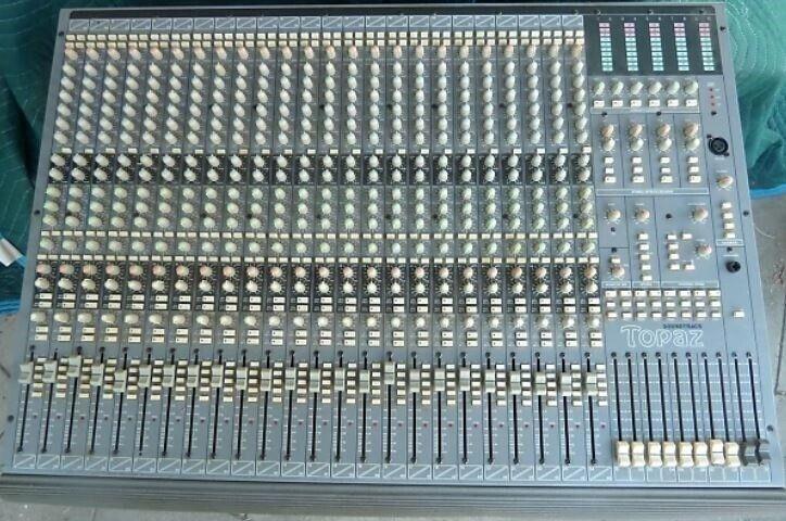 mixerpult, Soundtracs Topaz 24