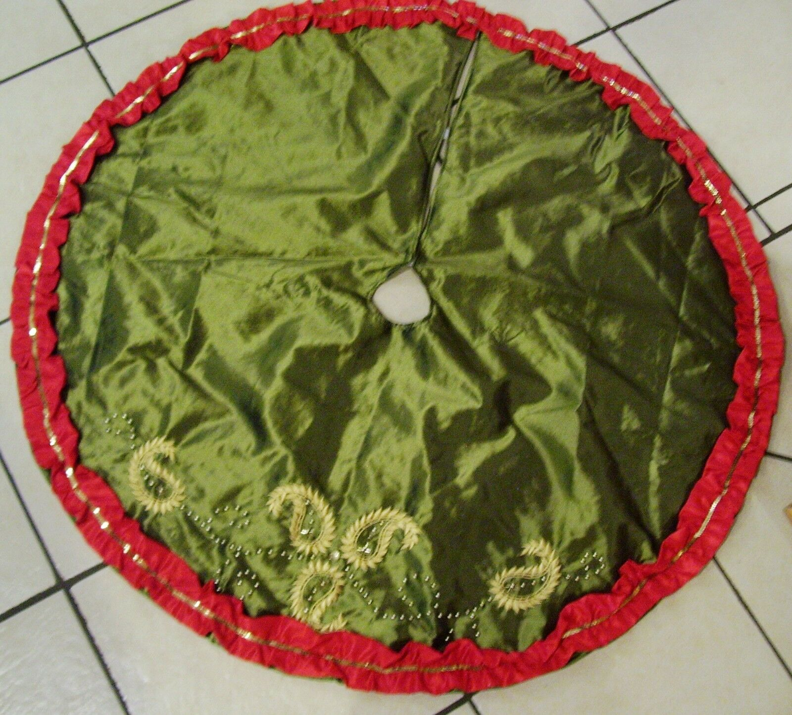 48 IN CHARTRUCE verde rosso SILK BEADED PAISLEY PAISLEY PAISLEY TREE SKIRT CHRISTMAS DECORATION 57a966