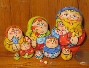 MINIATURE-Matryoshka-Latisheva-tiny-family-10-Dad-amp-GIRL-Nesting-Russian-Dolls