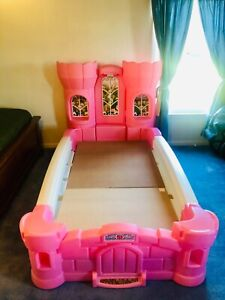STEP2 PRINCESS PALACE TWIN BED FOR GIRLS (Mattress not ...