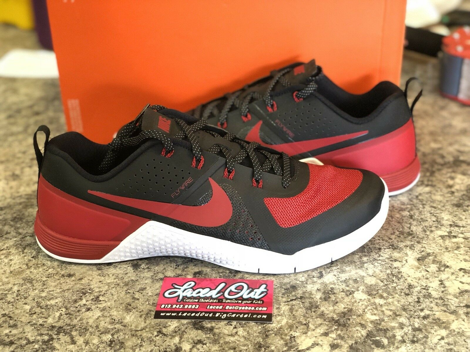 DS Nike Metcon 1 BANNED Black/White/Varsity Red 822224-061 sz 11 CrossFit train