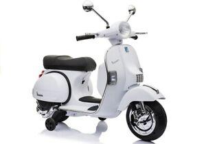 Elektrofahrzeug-Motorroller-Vespa-Piaggio-PX150-weiss-fuer-Kinder-12V-2-x-45W-Moto