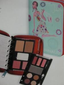 Agenda-Set-de-Maquillaje-Azul-Pinaud