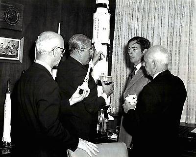 WERNHER VON BRAUN WITH DR ZZ-157 8X10 NASA PHOTO HEINZ HABER AND WILLY LEY