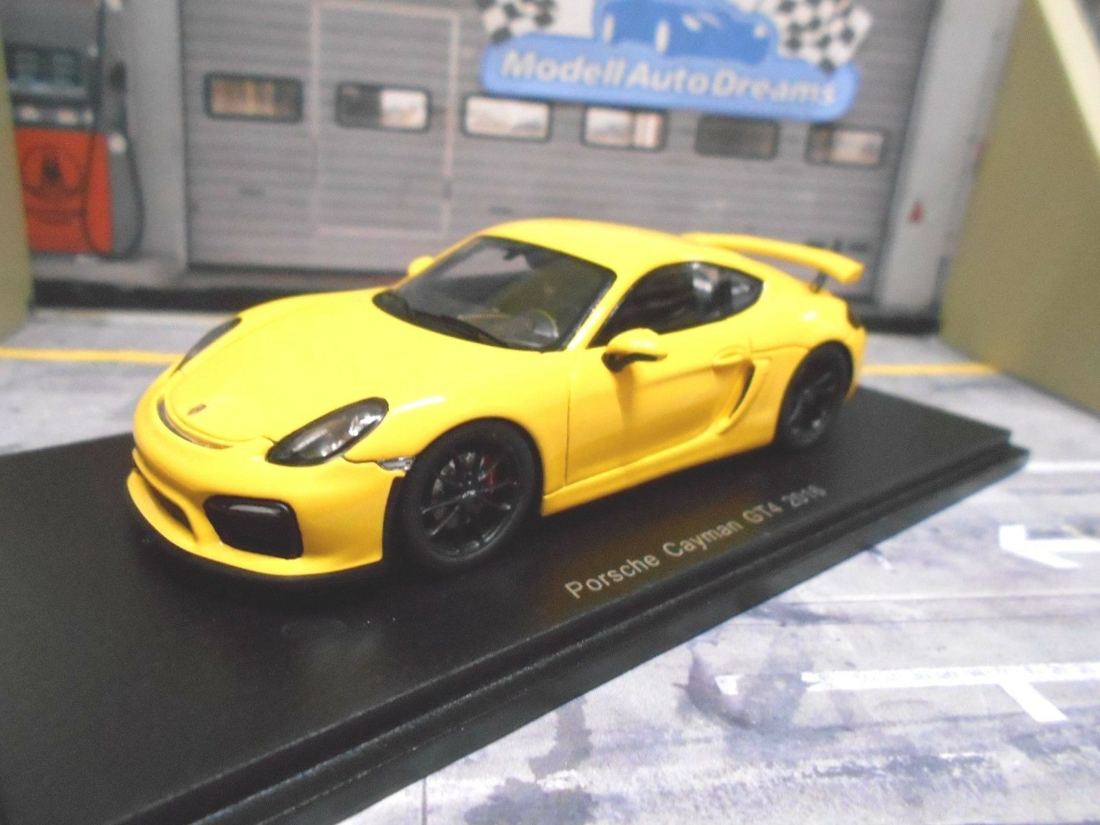 PORSCHE Cayman GT4 Coupe 2016 yellow yellow Resin Highend Spark 1 43