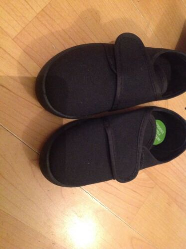 Black Velc Infant Size 7//24 Plimsols New Shop Clearance
