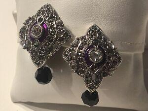 Vintage-Signed-MONET-Jewelry-Earrings-Rhodium-Plated-Marcasite-Swarovski-Crystal