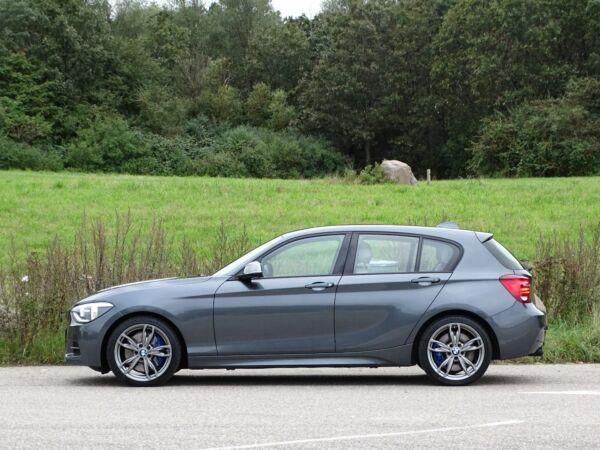BMW M135i 3,0 M-Sport aut. - billede 2