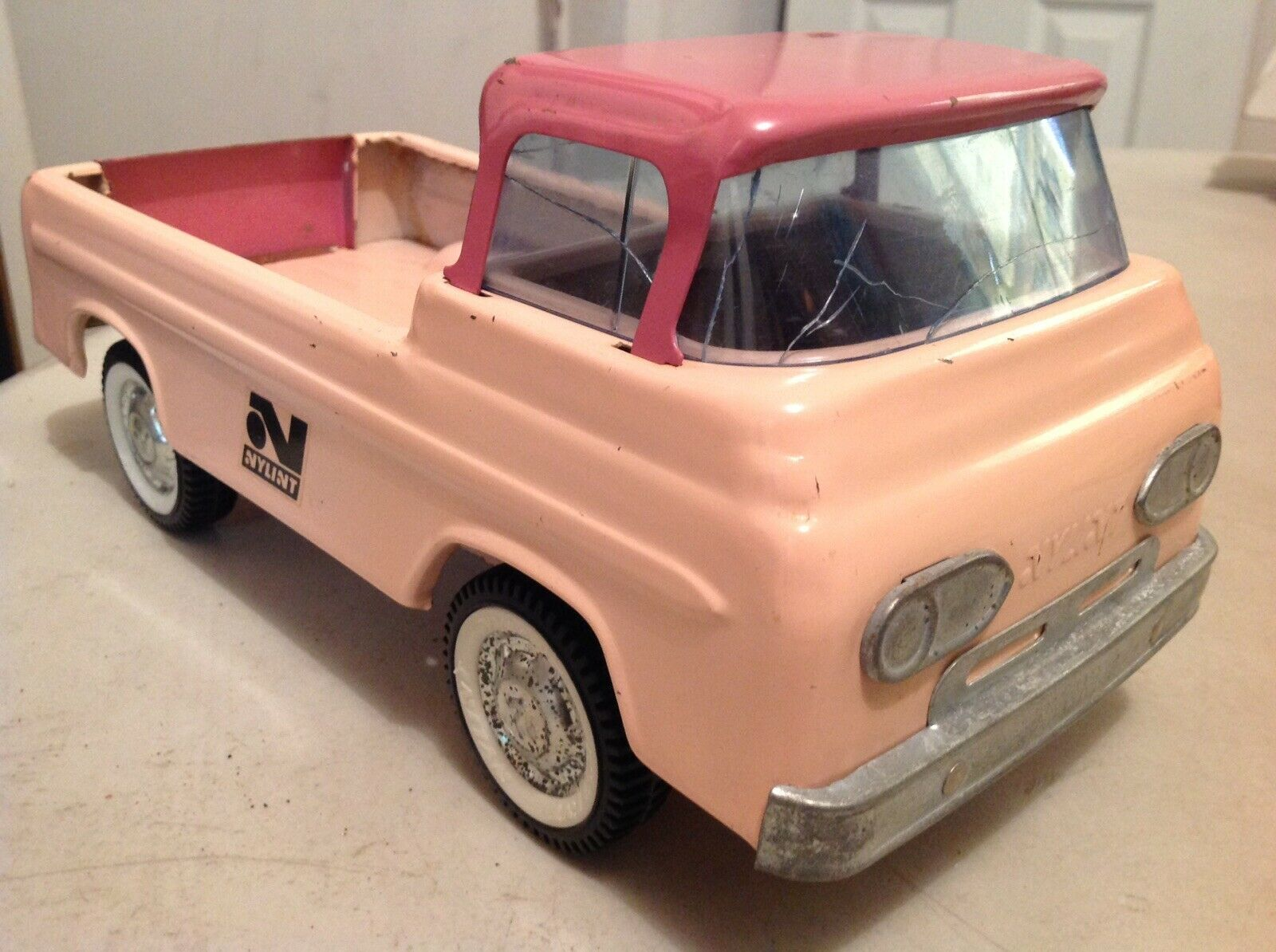 60's Nylint Nylint Nylint Ford Econoline Pink Version Pressed Steel a9c79d