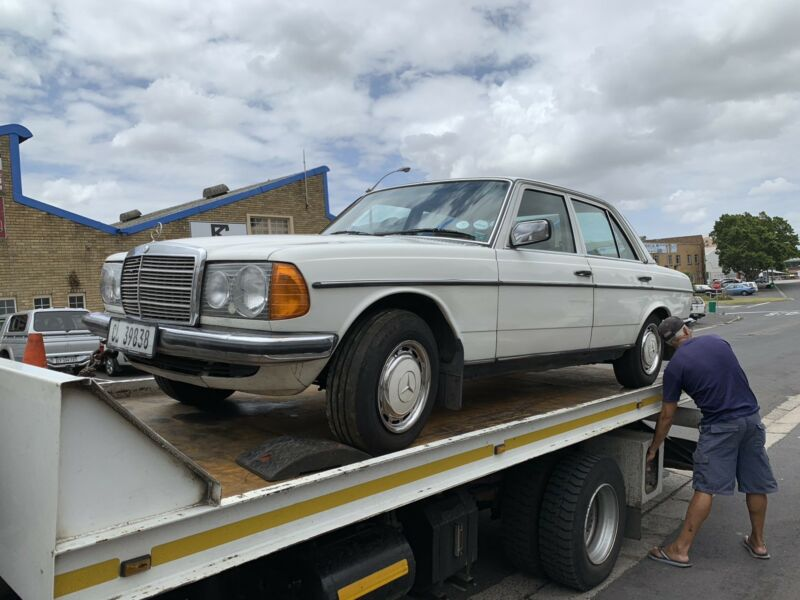 BENZO PARTS NOW STRIPPING: 1982 MERCEDES-BENZ 240D W123 SERIES