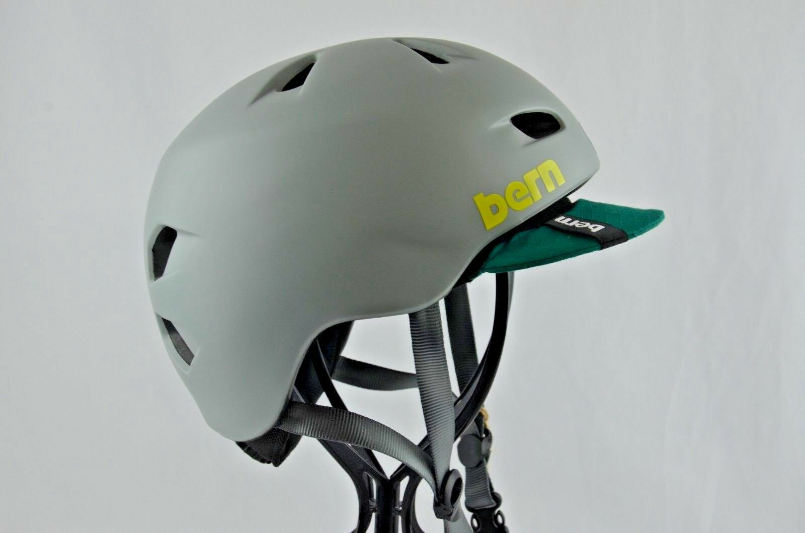 Bern Brentwood Zip Mold Bike Helmet Men's Flip Visor Small Matte Pavement