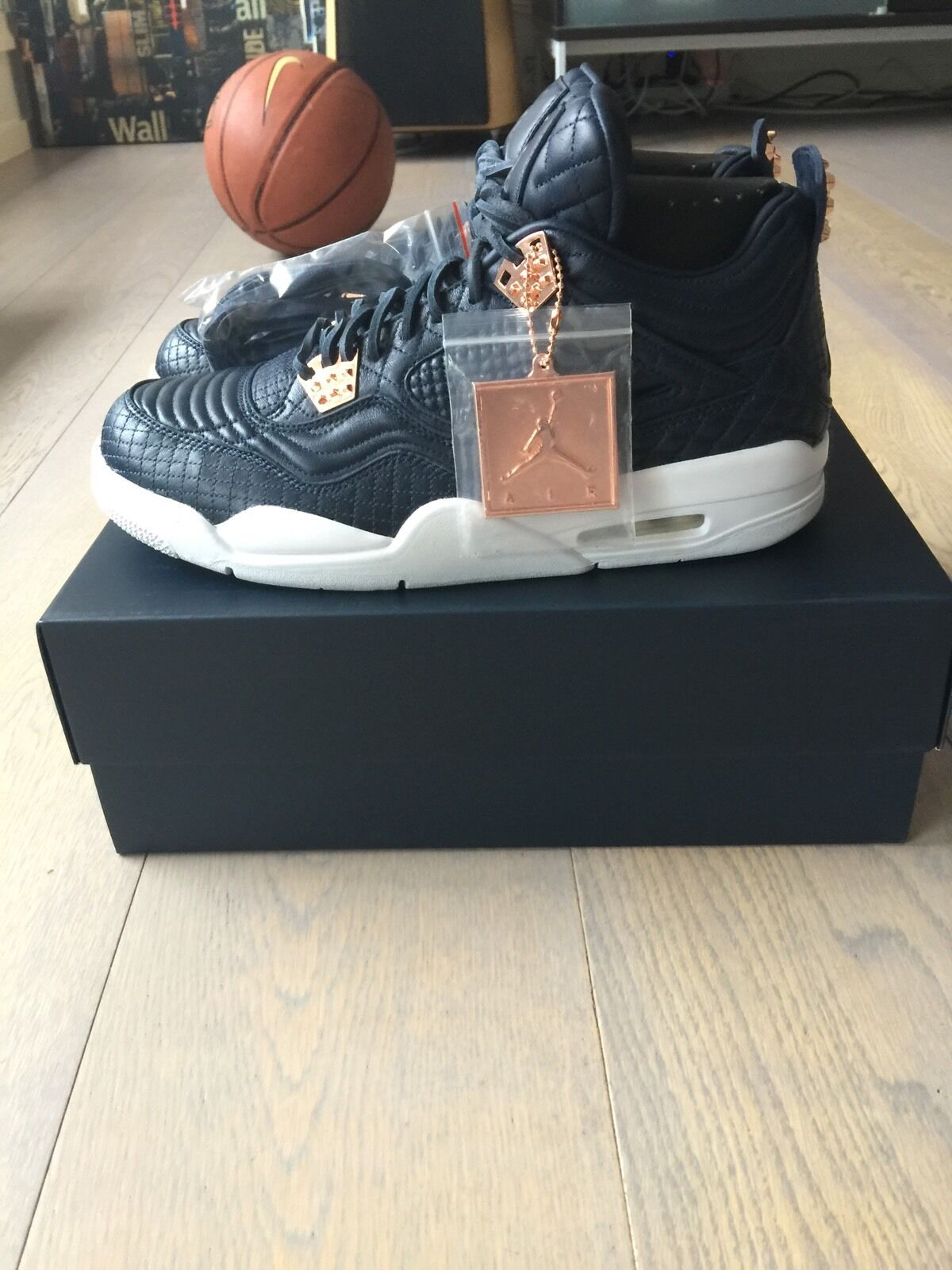 NIKE AIR JORDAN 4 PREMIUM  OBSIDIAN  SZ US 7 SUPER LIMITED PINNACLE