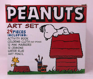 Details About Peanuts Art Set 29 Pieces Snoopy Dog House Storage Box Charlie Brown Gang