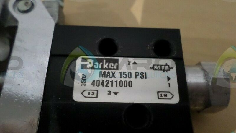 PARKER 40421100 SWITCH NEW NO BOX