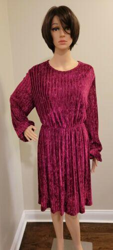 Shein Women's Velvet Textured Long Sleeve Swing Dr