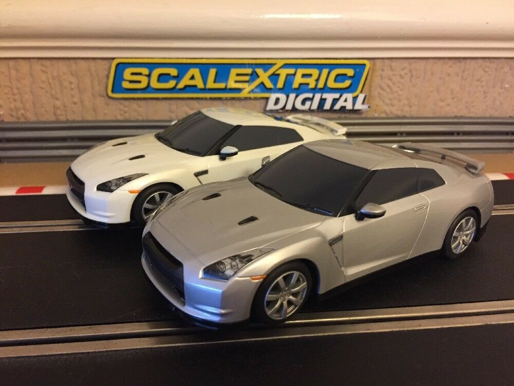 Scalextric Digital Nissan GT-R x2 Fully Serviced & New Braids Excellent