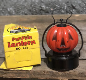VINTAGE-1950-039-s-BATTERY-OPERATED-PUMPKIN-JACK-O-LANTERN-HALLOWEEN-LAMP-MINT-MIB