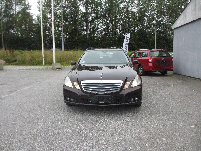 Mercedes E200 2,2 CDi stc. aut. BE 5d - 99.500 kr.