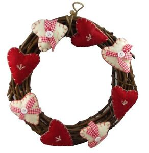 Gisela-Graham-Christmas-Country-Hearts-Wreath-Sumptuous-fabric-hearts