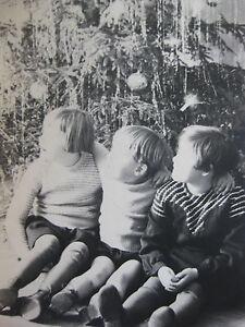 Vintage-Photo-Allemagne-Germany-1935-enfants-vers-arbre-de-noel-snapshot