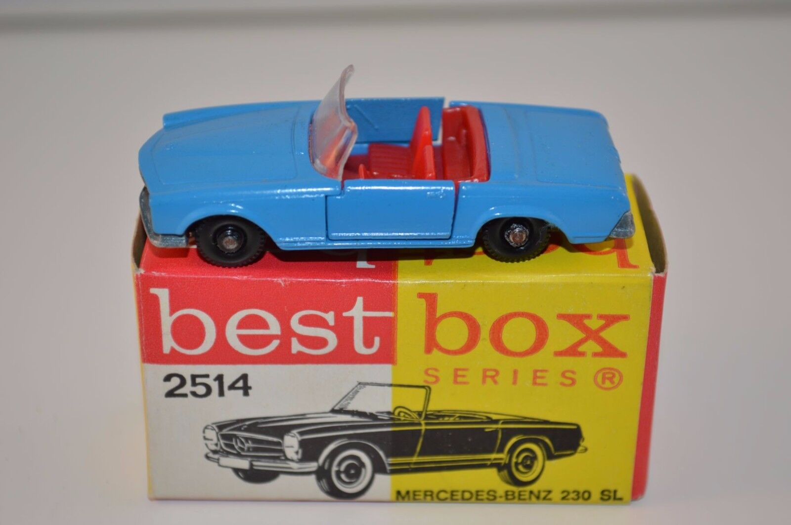 Bestbox Best Box 2514 Mercedes Benz 230 near mint in box very sCochece colour
