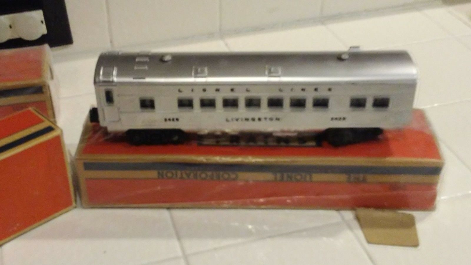 HOT  Lionel Trains (vintage) Gem Mint NO. 2423, 2429 and 2432.