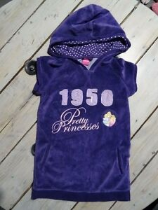 Robe-violette-velours-imprimee-princesses-Rayponce-Aurore-DISNEY-Taille-4-ans