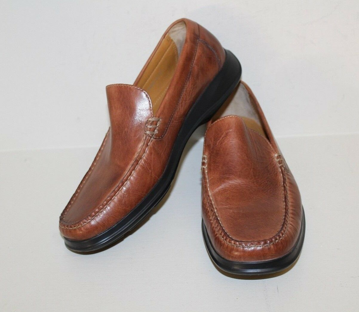 Cole Haan Mens Loafer shoes Size 8.5 M Brown Leather Slip On Moc Toe