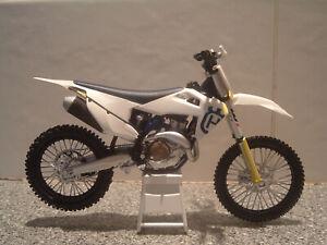 Husqvarna FC 450 Husky Enduro Motocross NEW Motorcycle 1:12 Scale Model Toy