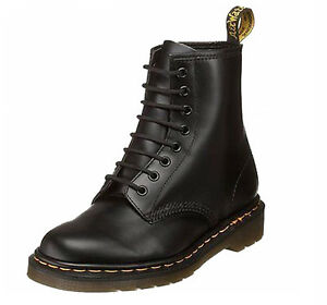 Dr-Martens-1460-Black-8-Eye-Classic-Smooth-Leather-Boots-with-Air-Wair