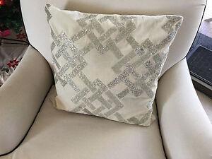 Image Is Loading Throw Pillow Cream Velvet Beaded Gl Sparkle 50x50cm