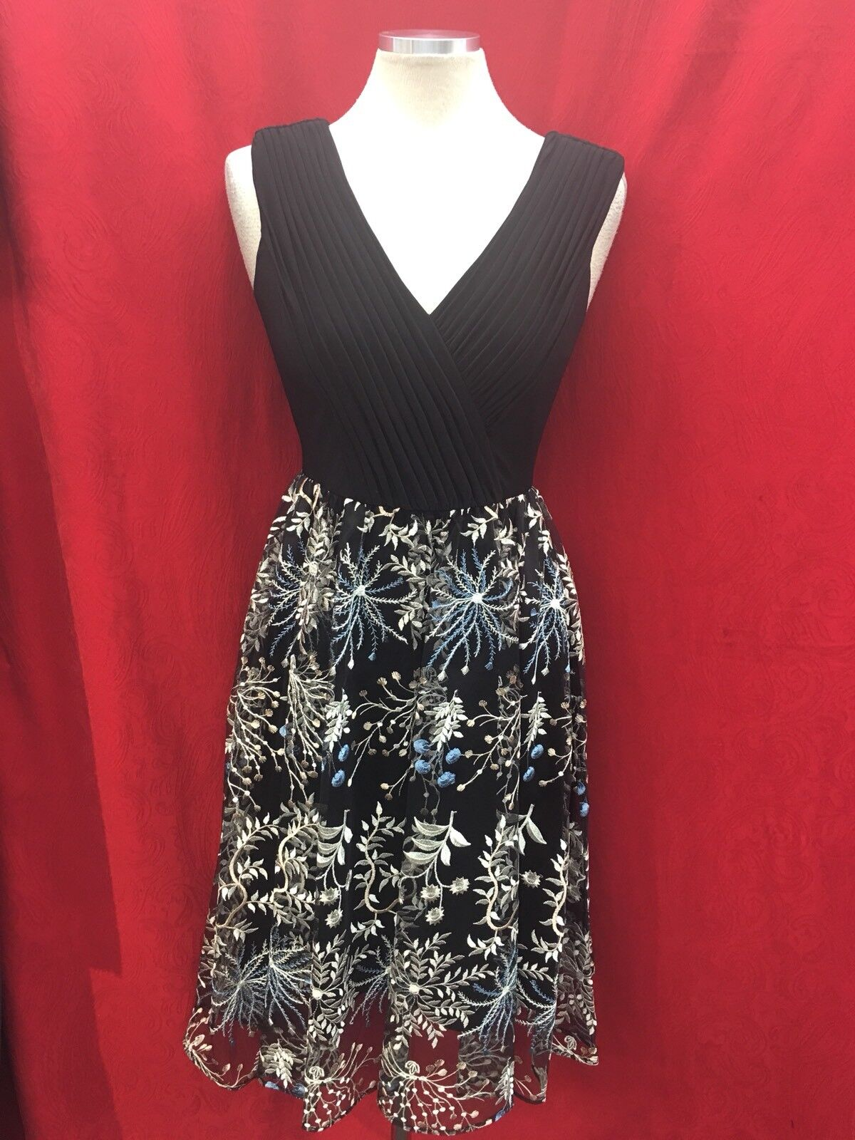 ADRIANNA PAPELL DRESS SIZE 2 RETAIL LENGTH 40  NEW WITH TAG