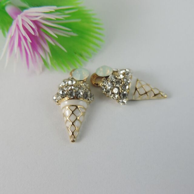 39079 Gold Tone Alloy Conch-shaped With Rhinestone Pendant Charms 21*11mm 10PCS