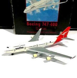 Herpa-500609-Qantas-Airways-Boeing-747-400-1-500-scale-model-air-plane-flugzeug